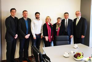 Zusammen mit Marc Schemmel, Niels Annen, Koorosh Armi, Sabine Jansen, Matthias Scheller und Stefan Stiegler (v.l.n.r.)