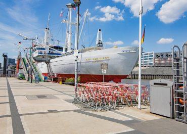 Schiffe an den Landstrom: Für bessere Luft im Hamburger Hafen